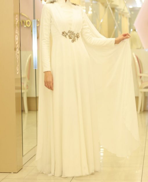 exclusive white abaya